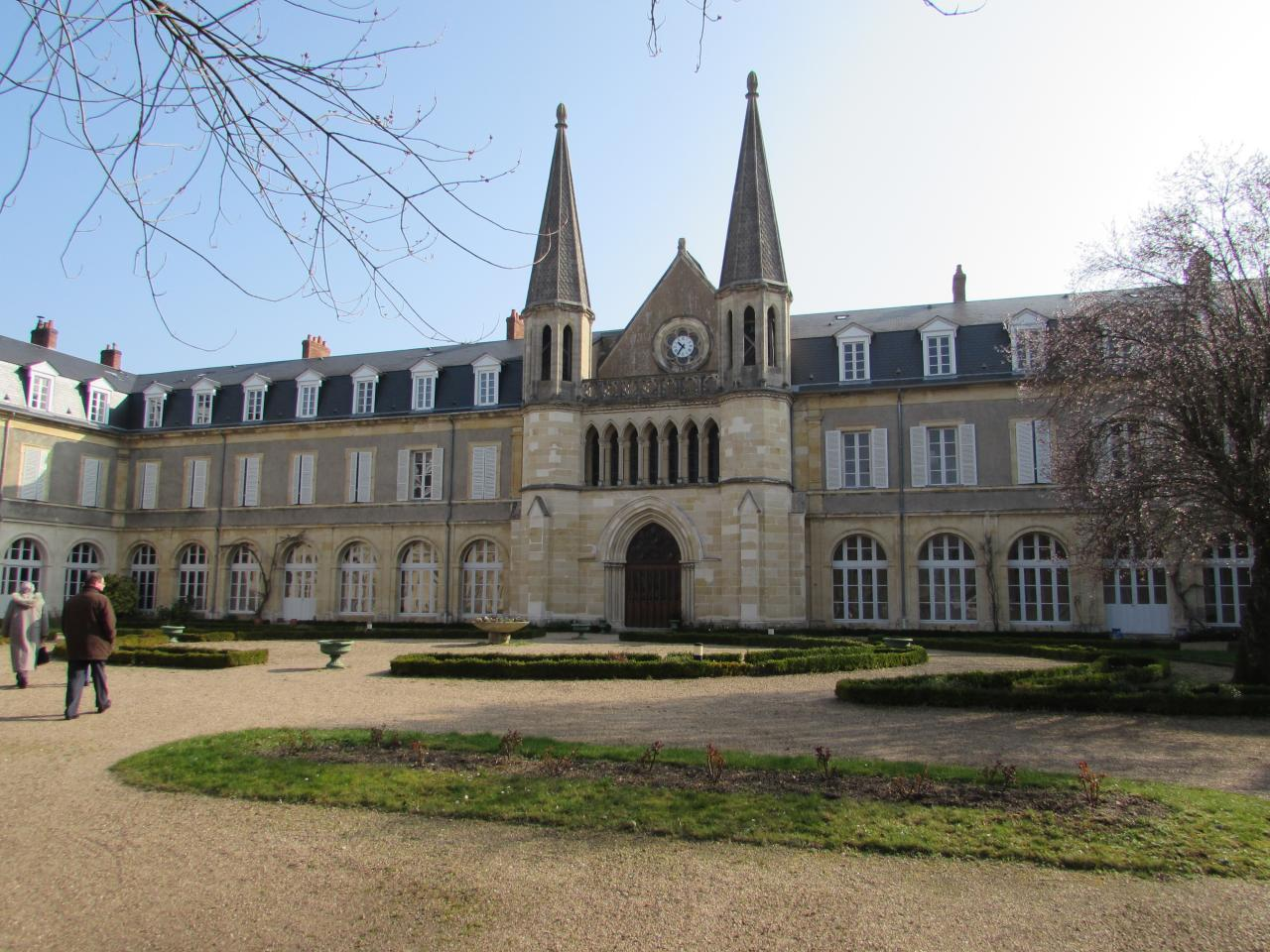010.La Chapelle de Bernadette