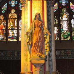039.Marie et les vitraux