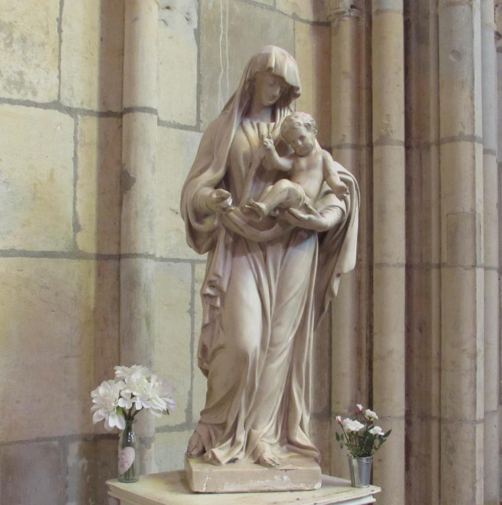 063.La Vierge et l'enfant