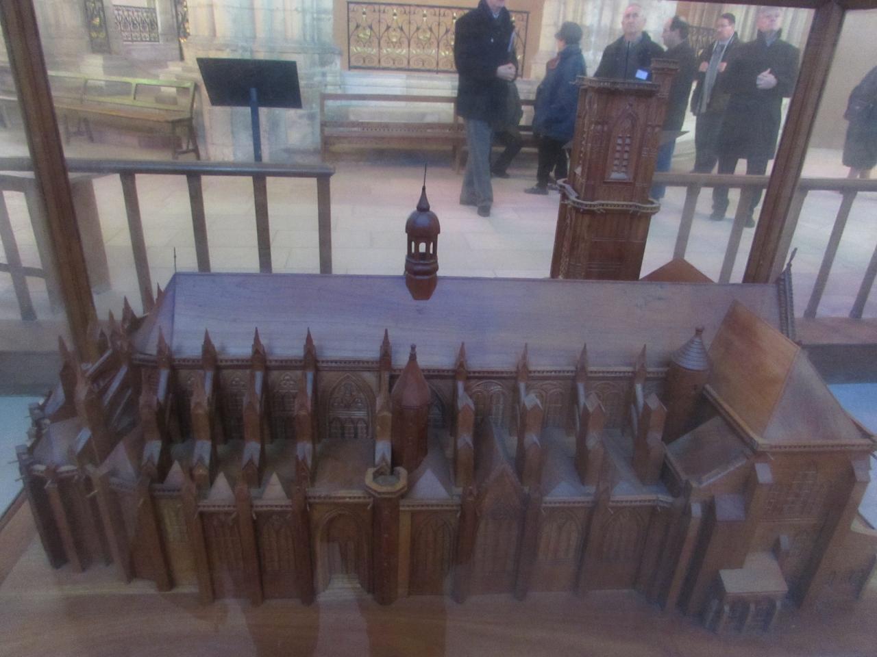 077.Maquette de la Cathédrale