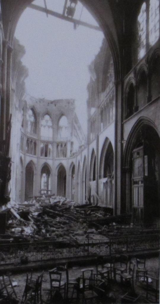 083.Bombardement de la Cathédrale