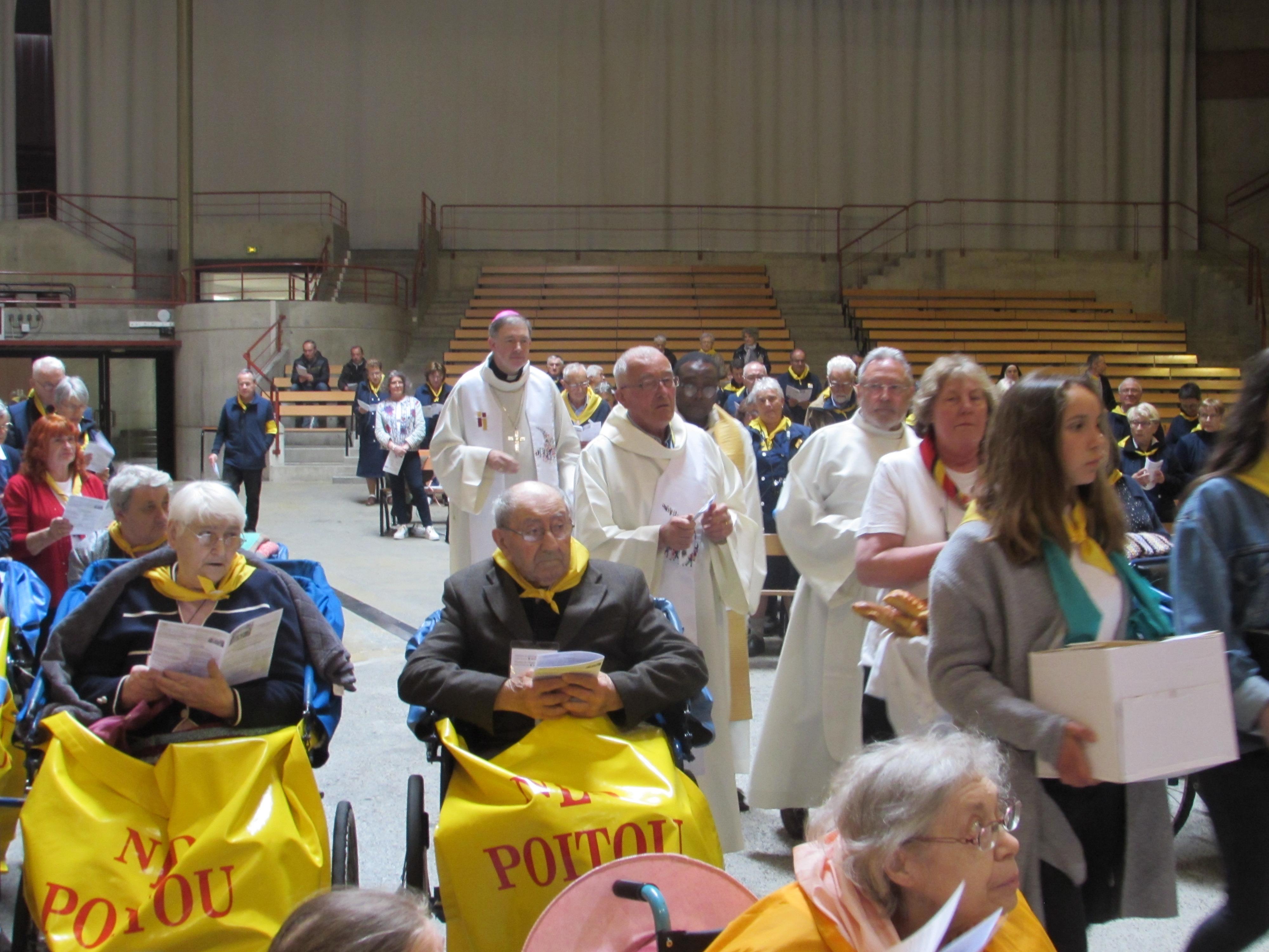 102 - Cérémonie d'ouverture à Ste Bernadette