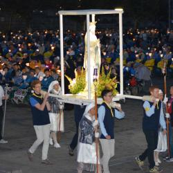 114.Procession mariale