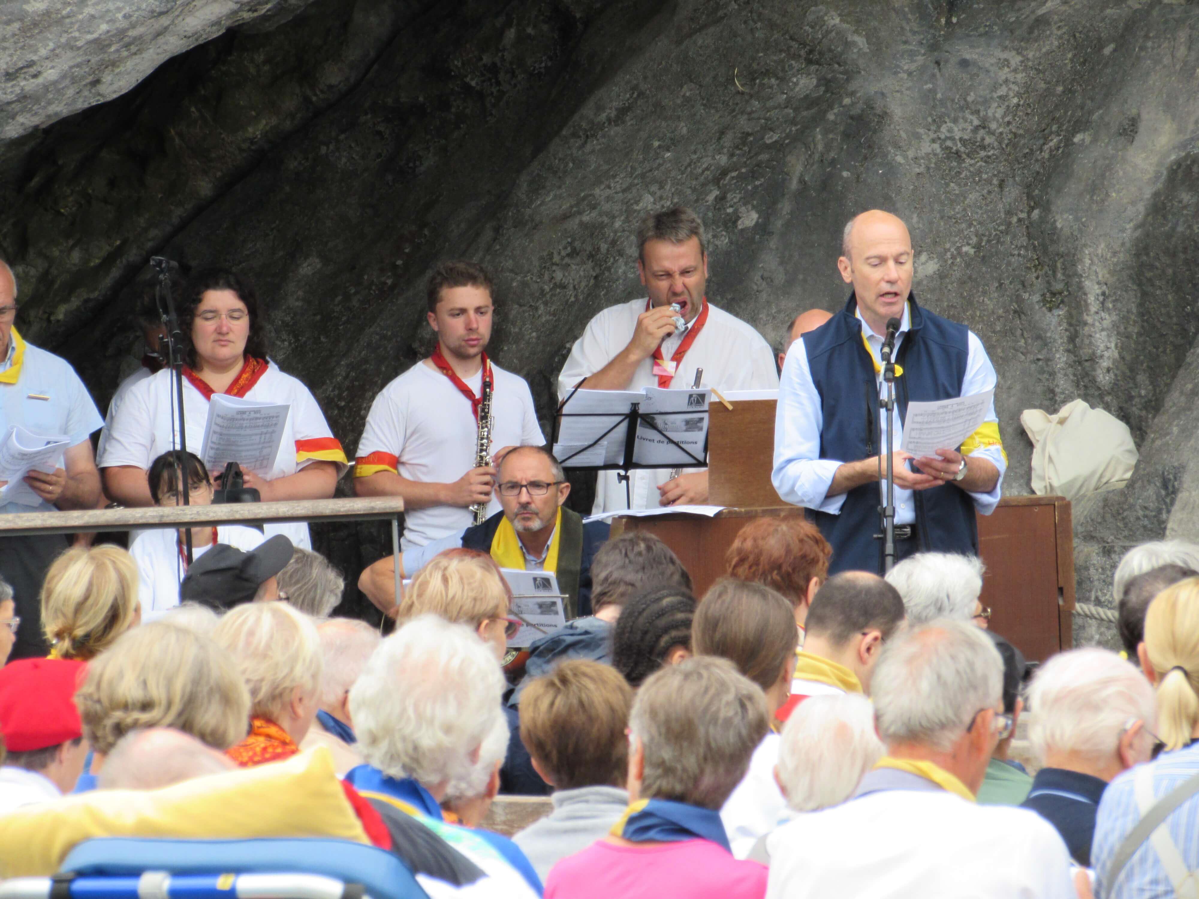17.Messe à la Grotte
