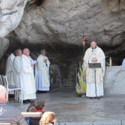 49 - Messe à la Grotte