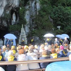 59 - Messe à la Grotte