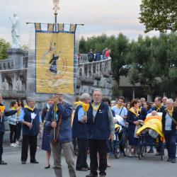 92.Procession mariale