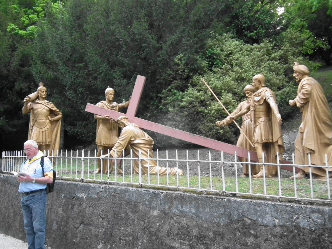 IIIème Station  - Jésus tombe pour la première fois