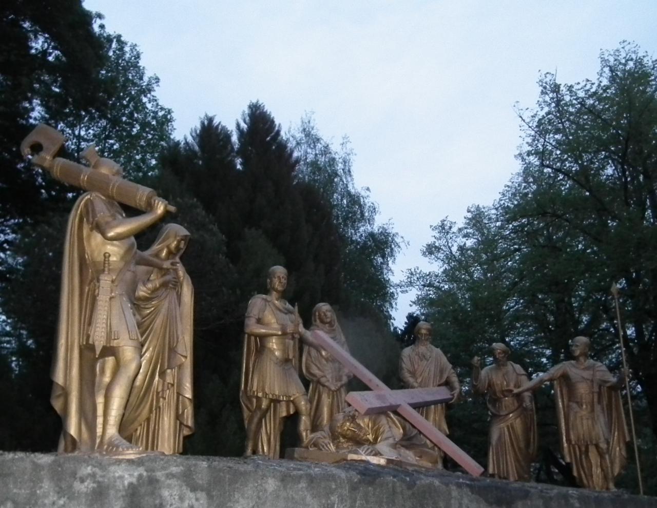 IXème Station - Jésus tombe pour la troisième fois