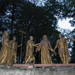Xème Station - Jésus est dépouillé de ses vêtements