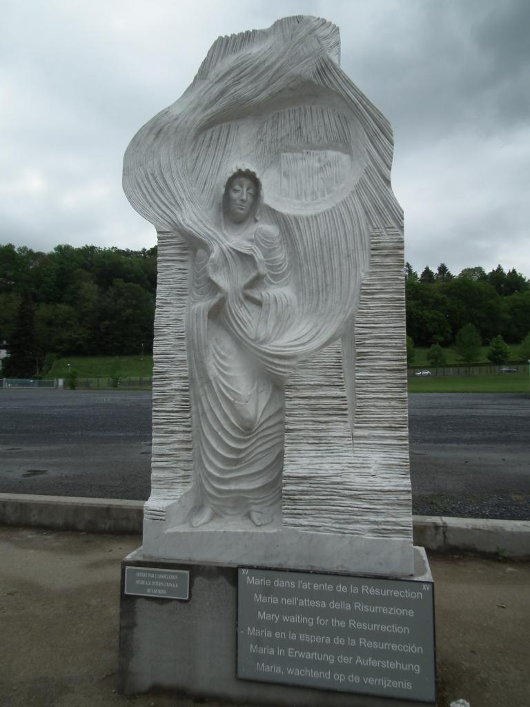 XV - Marie dans l'attente de la résurrection