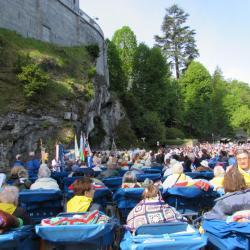 IMG_0935-Messe à la Grotte